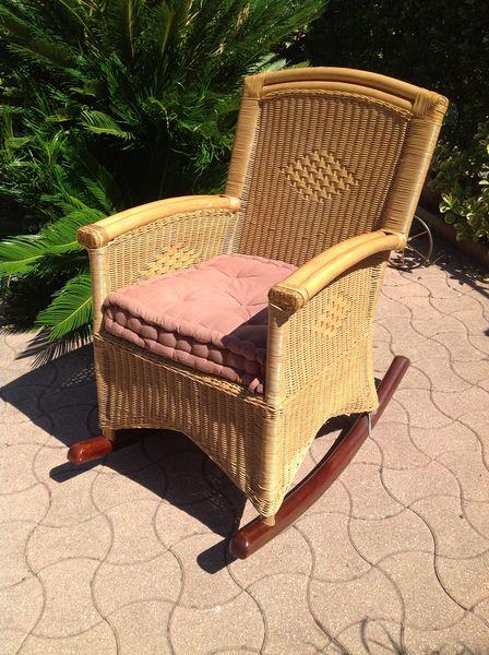 fauteuils rotin occasion dans les alpes maritimes 06 annonces achat et vente de fauteuils. Black Bedroom Furniture Sets. Home Design Ideas
