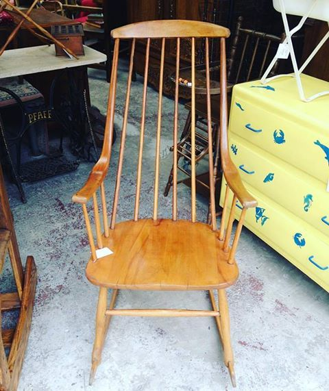 Achetez rocking chair quasi neuf annonce vente cherbourg octeville 50 99 - Rocking chair a vendre ...