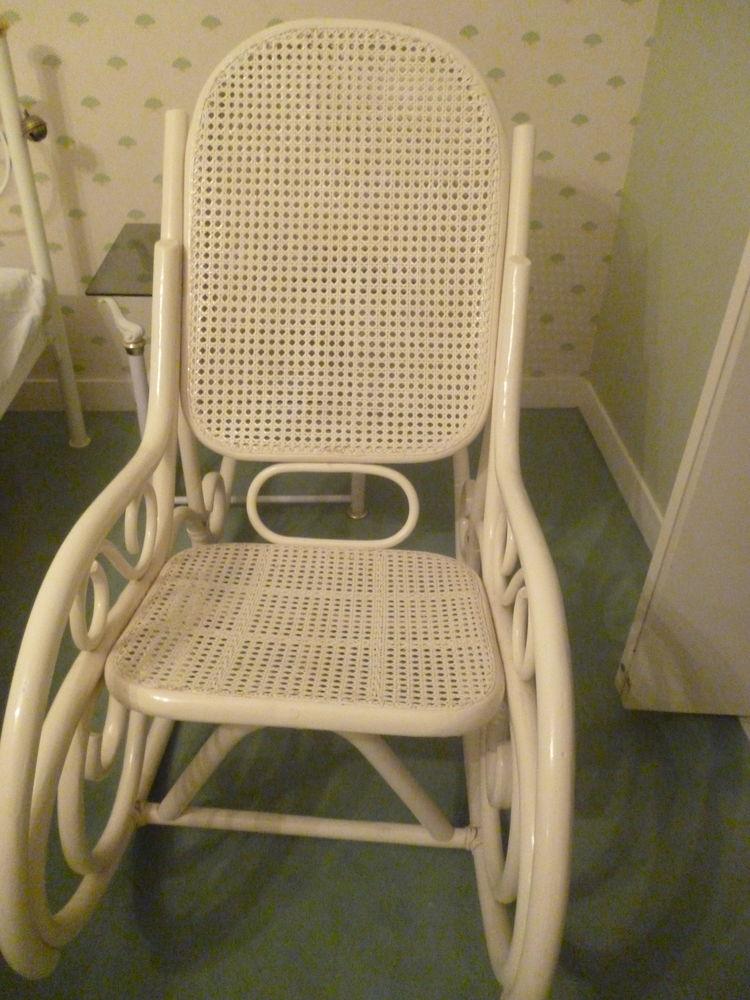 rocking chair occasion dans le nord pas de calais annonces achat et vente de rocking chair. Black Bedroom Furniture Sets. Home Design Ideas