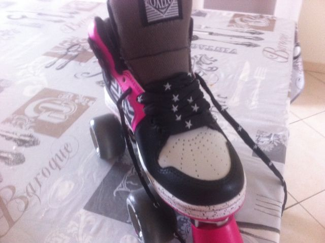 ROLLER FILLE EXCELLENT ETAT POINTURE 37 30 Courcelles-sur-Seine (27)