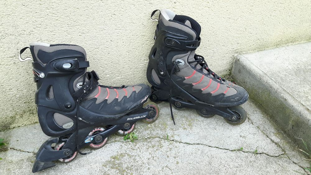 Rollers en ligne.Marque Rollerblade. T46 25 Toulouse (31)