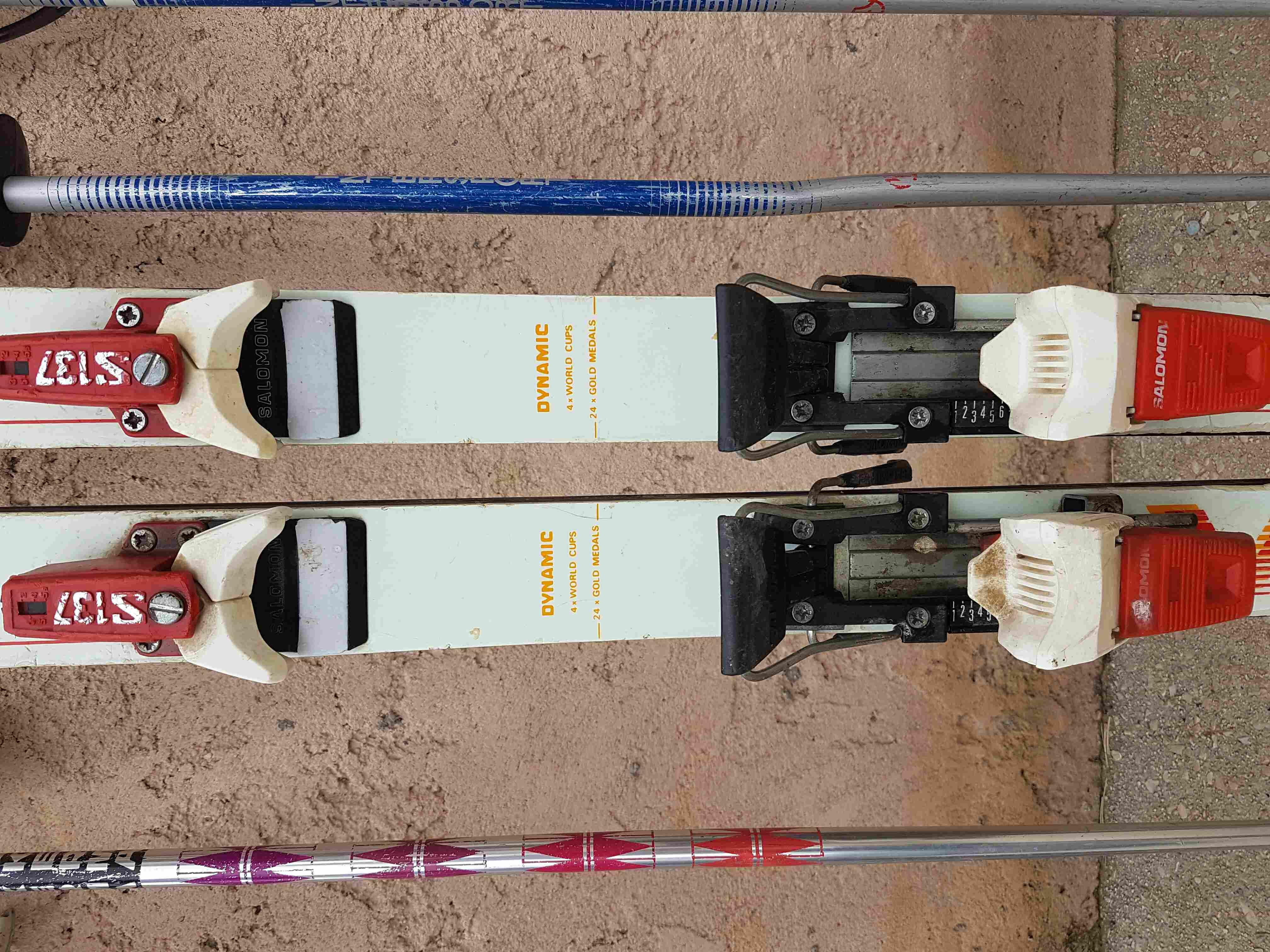Ski Rossignol et Dynamic avec bâtons 25 Trets (13)