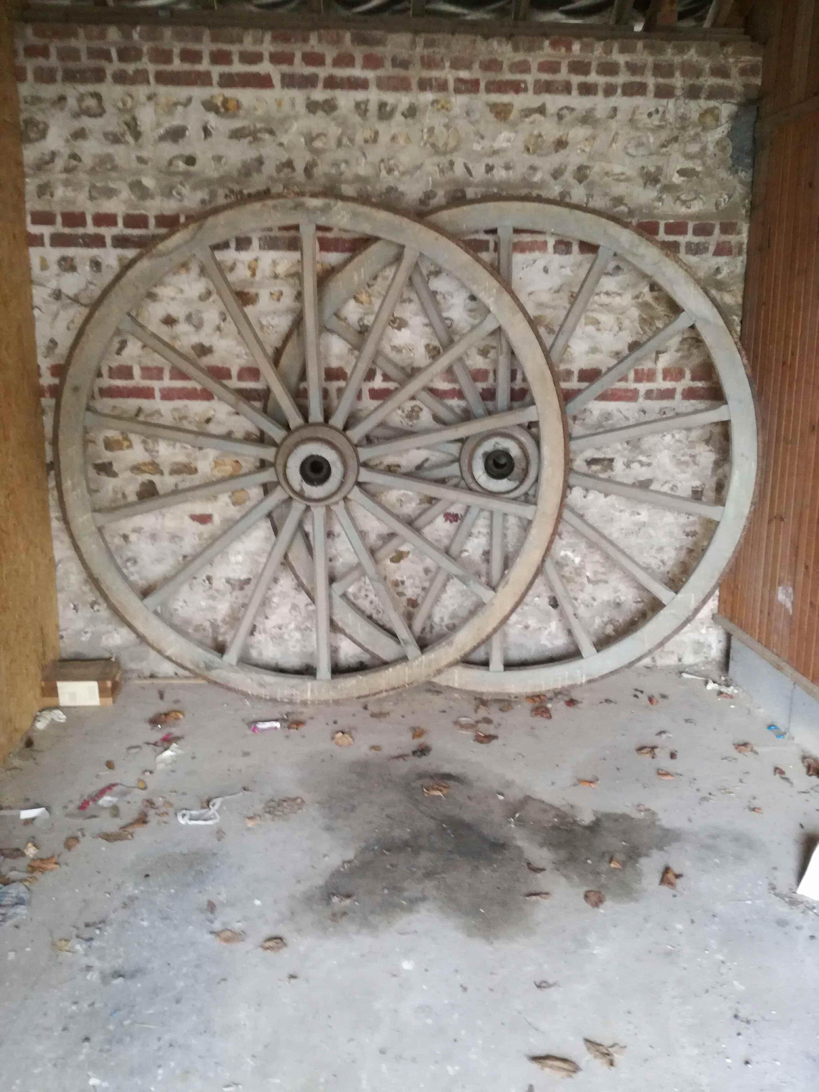 Mon debarras criquetot l 39 esneval 76 annonces achat vente d 39 occasion sur paruvendu mondebarras - Roue de charette decoration ...