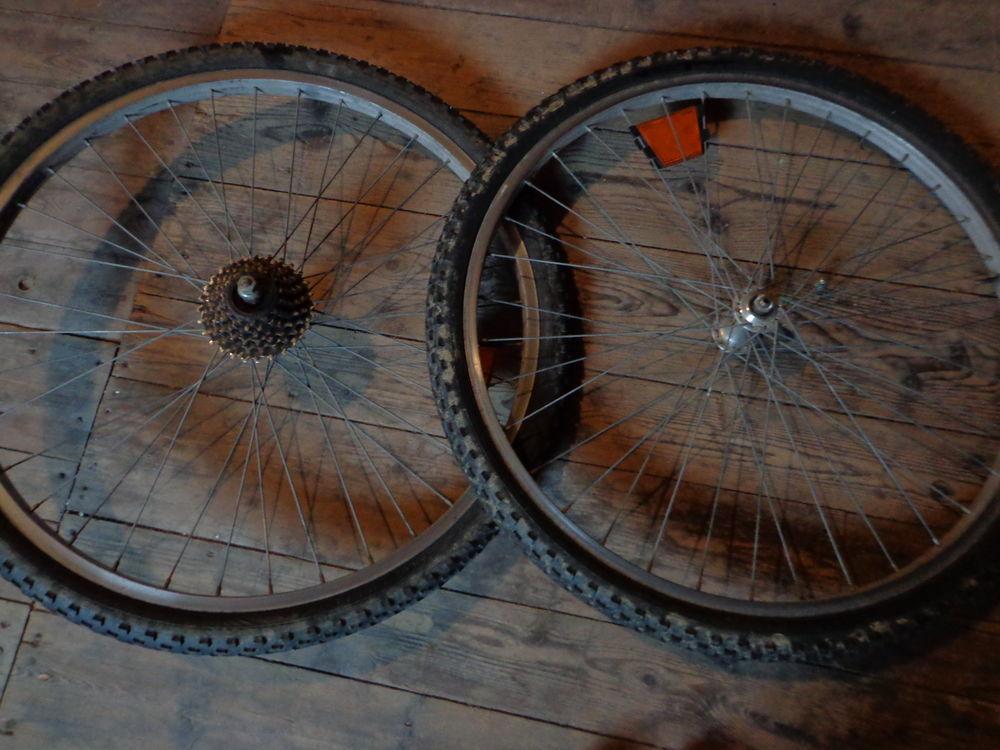 Roues de vélo complètes 26 x  1,75  20 Merville (59)