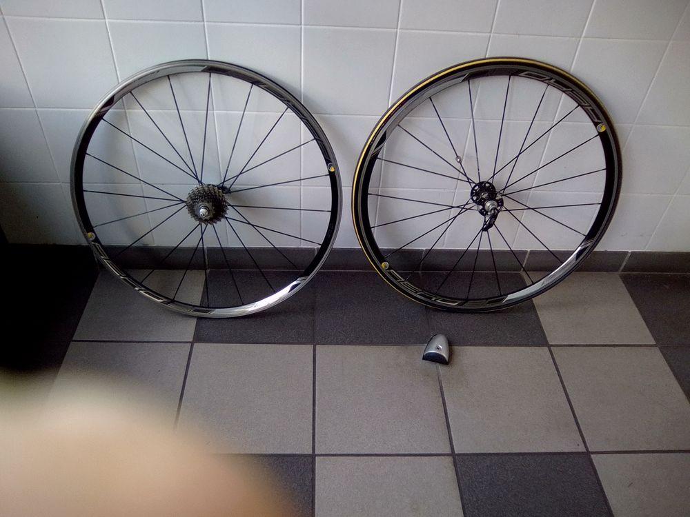 roues de vélo  0 Suresnes (92)