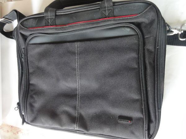 sacoche portable état neuf jamais servi  25 Nanterre (92)