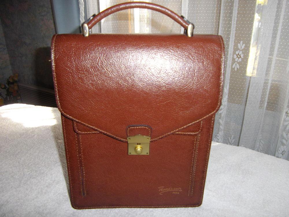 Sacoche porte documents en cuir 50 Ozoir-la-Ferrière (77)