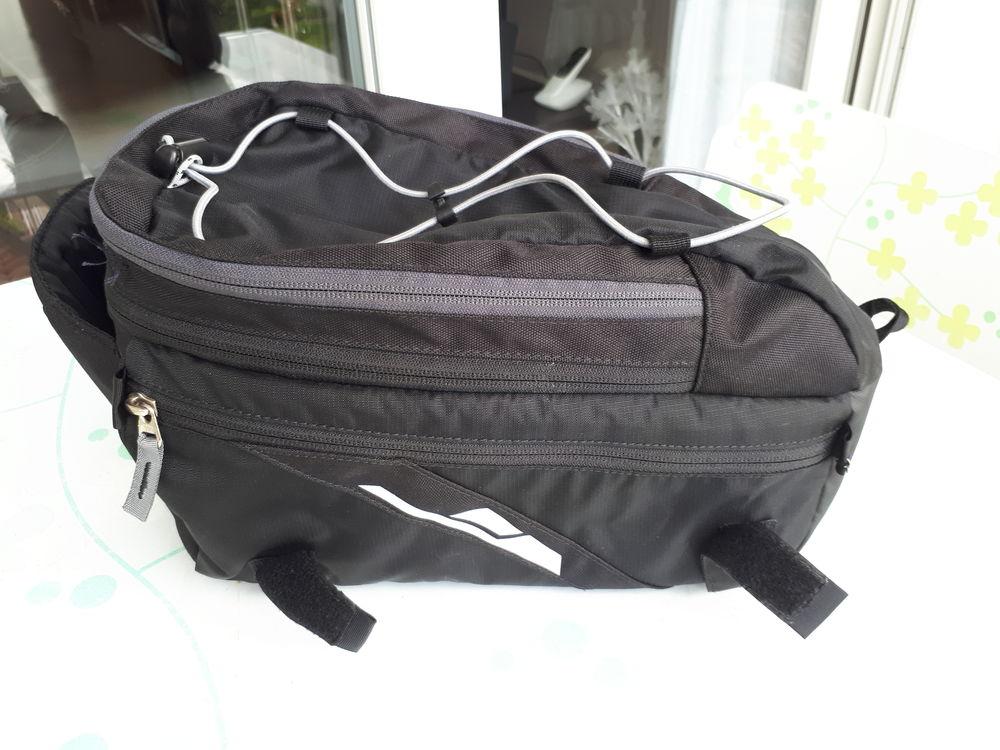 Sacoche de vélo de porte-bagage de la marque vande 40 Rennes (35)