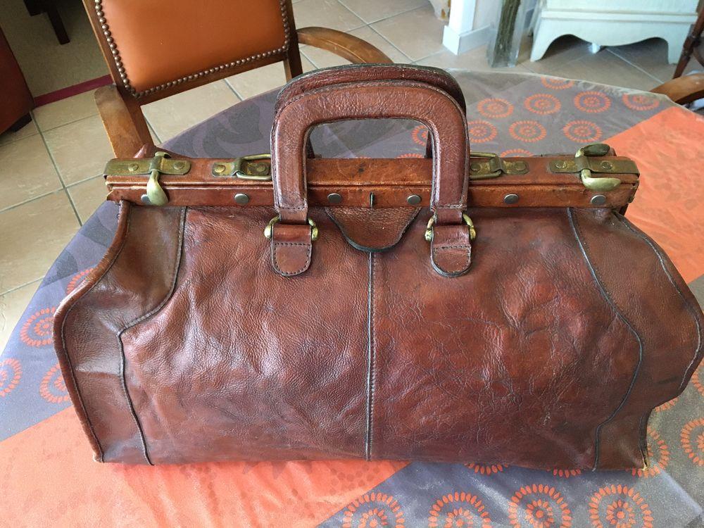 Sacoche de voyage en cuir marque HIDESIGN 190 Avon (77)