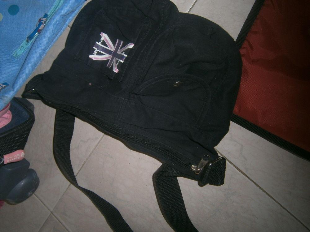 lot de sacs pour ado 4 Annonay (07)