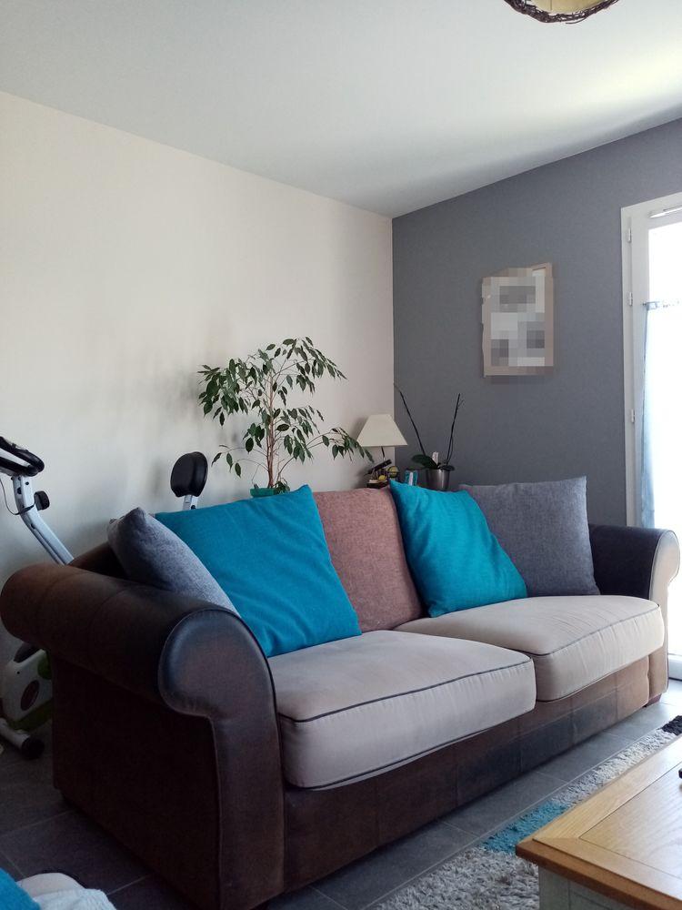A saisir ! magnifique canapé 4 places Chesterfield  150 Salignac (33)