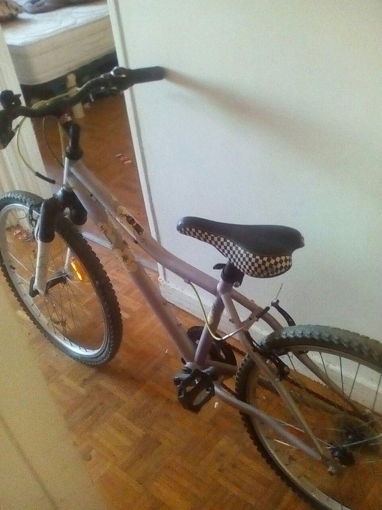 a saisir vélo amortisseur VTT btwin décathlon vitesse poignee 75 Gagny (93)