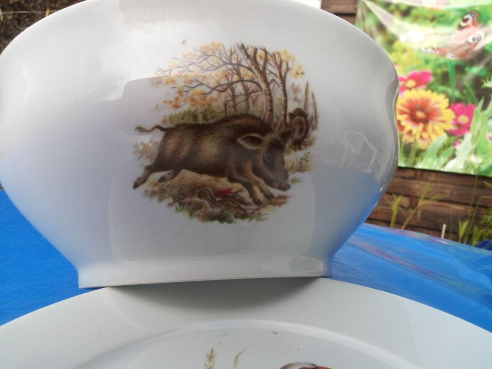 saladier décor sanglier porcelaine Bremailles 20 Dourdan (91)