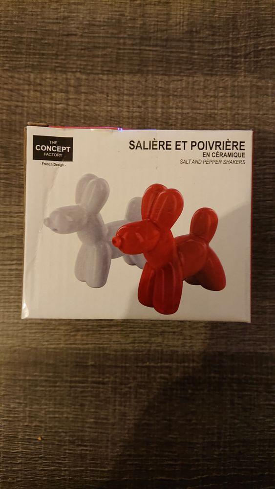 Salière et poivrière rouge et blanc en céramique 2 Perpignan (66)