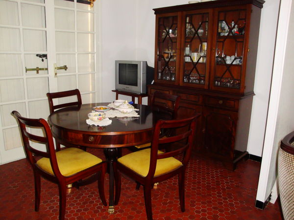 Achetez salle a manger occasion annonce vente cr on 33 for Salle a manger acajou