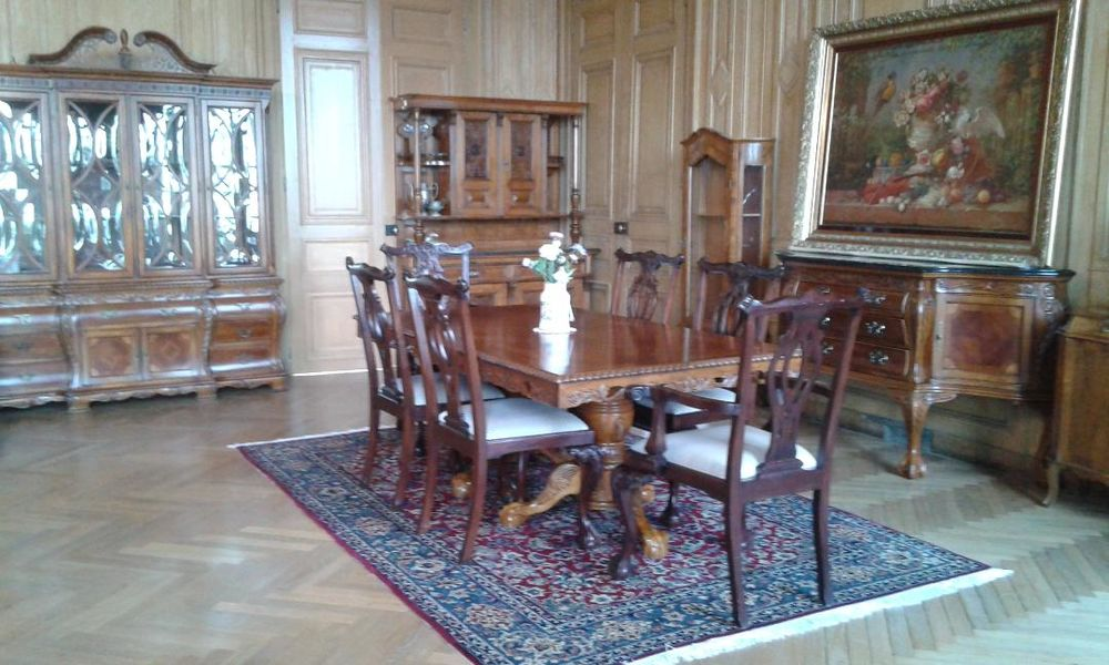 Salle à manger: buffet, table, vaisselier en bois 3500 La Varenne (49)