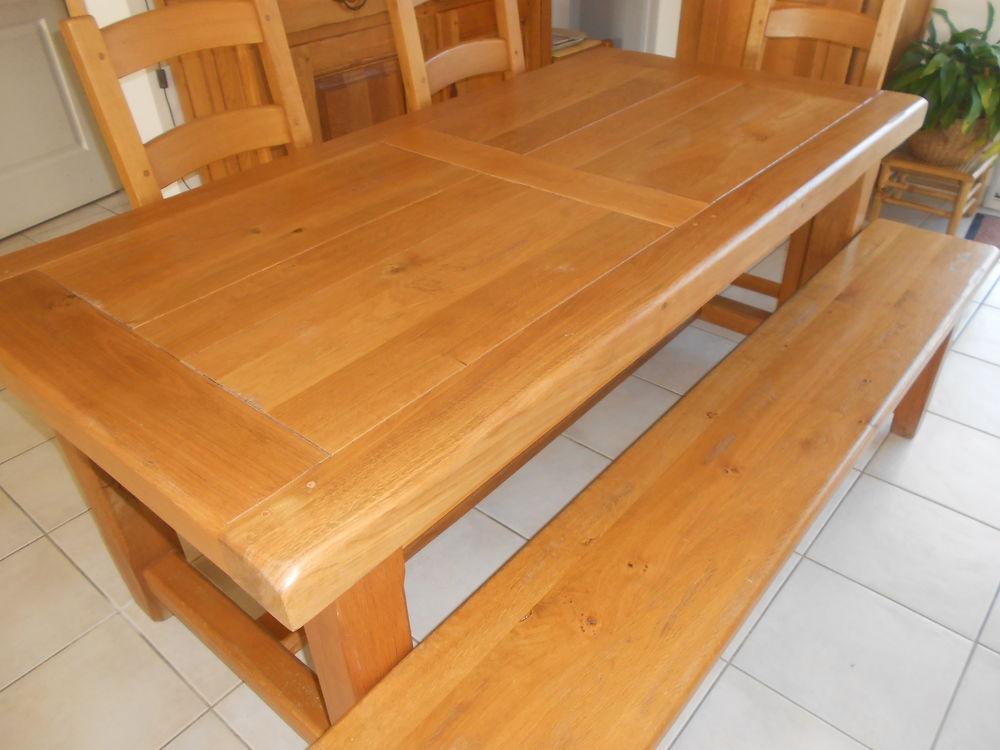 Salle à manger complète en chêne massif.  1000 Saint-Aubin-de-Branne (33)