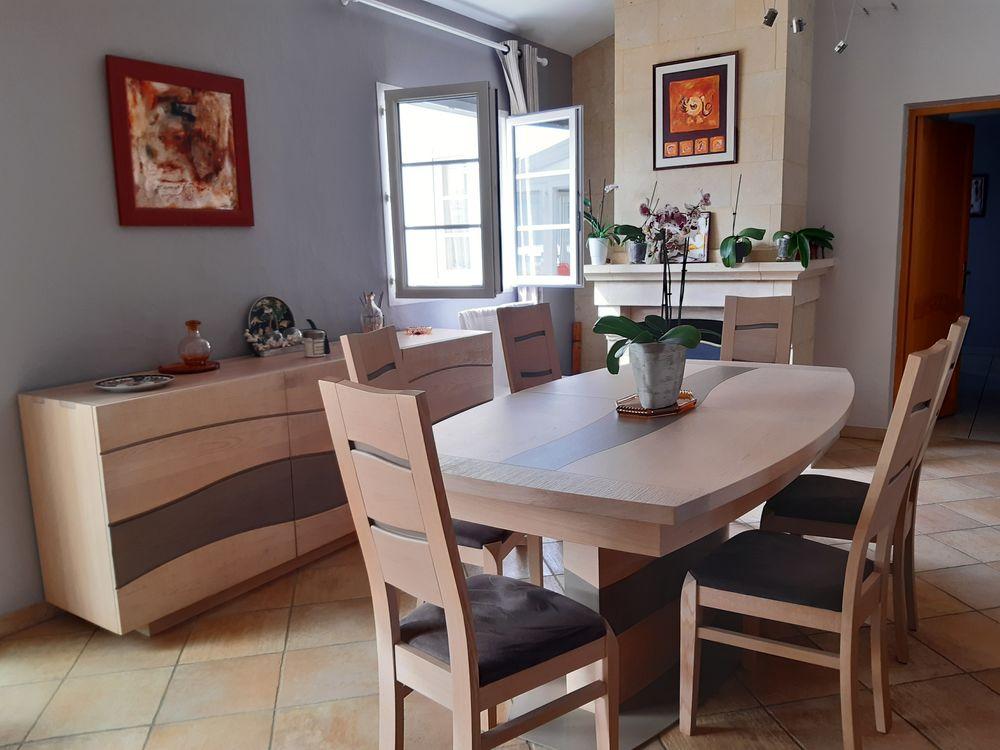 salle à manger état neuf très belle qualité 3900 Le Teich (33)