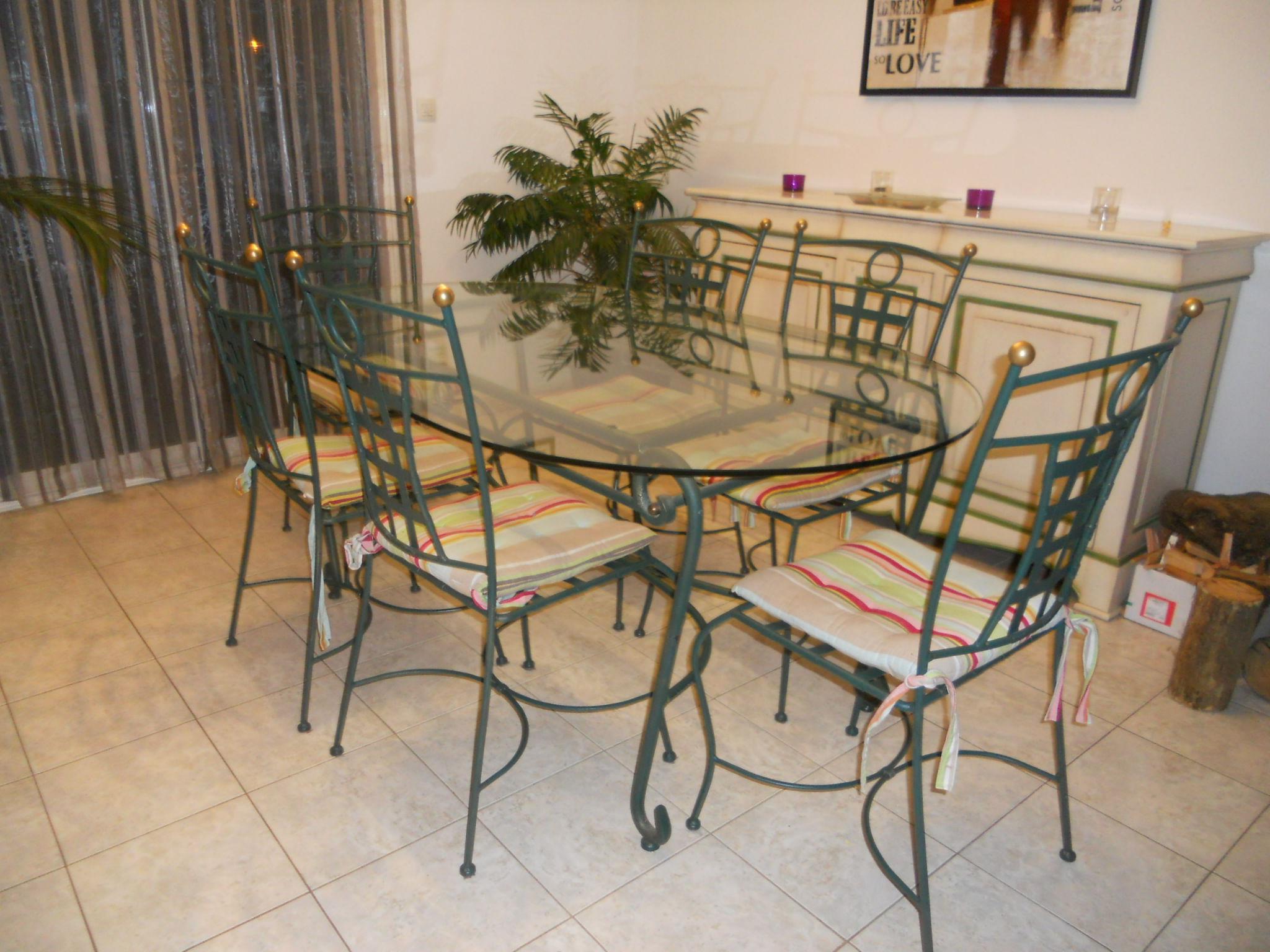 Achetez salle manger en occasion annonce vente for Table et chaise de salle a manger en fer forge