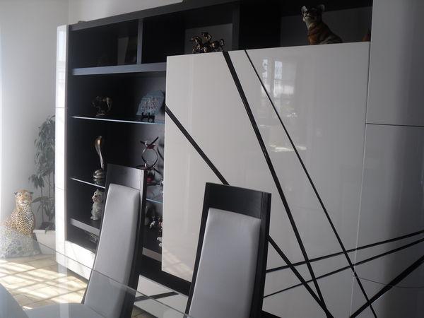 salle à manger laquée blanc et noir 9500 Courcelles-Chaussy (57)