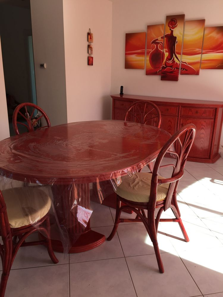 tables occasion bonchamp l s laval 53 annonces achat et vente de tables paruvendu mondebarras. Black Bedroom Furniture Sets. Home Design Ideas