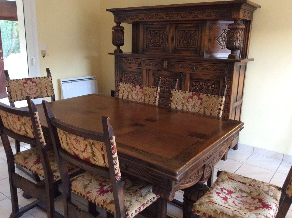 Salle à manger de style renaissance anglaise en bois massif 700 Sautron (44)