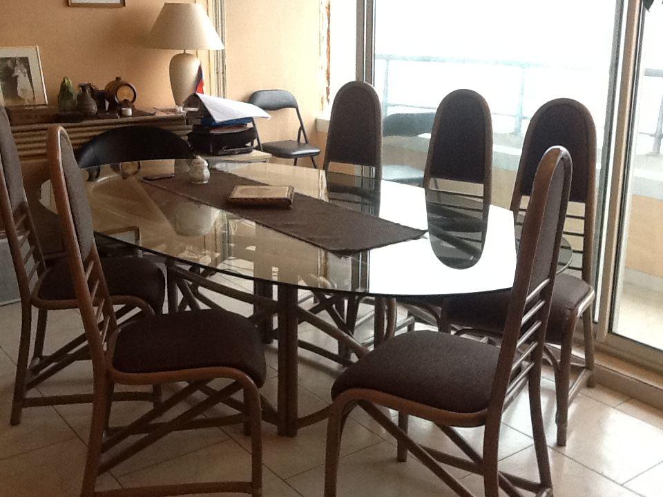 SALLE A MANGER: TABLE PLATEAU VERRE,CHAISES+BUFFET assorti  300 Saint-Germain-lès-Corbeil (91)