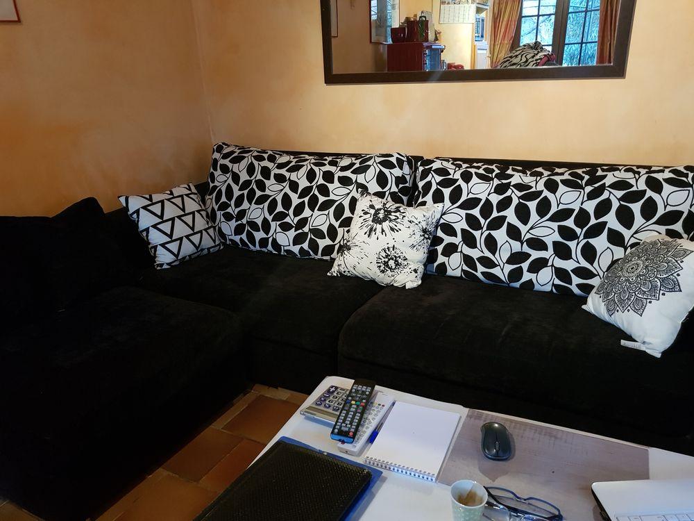 salon d'angle noir et blanc 300 Trans-en-Provence (83)