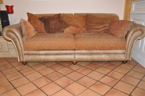 canap d angle bois et chiffon id e int ressante pour la conception de meubles en bois qui. Black Bedroom Furniture Sets. Home Design Ideas