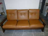 salon canapé 4 places+2 fauteuils cuir 250 Avignon (84)