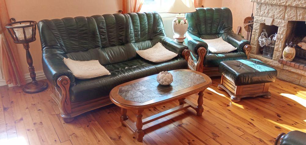 Salon cuir et bois . canapé,2fauteuils,1pouff,1table .  0 Saint-Pal-de-Mons (43)