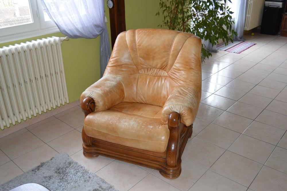 salons cuir occasion rouen 76 annonces achat et vente de salons cuir paruvendu mondebarras. Black Bedroom Furniture Sets. Home Design Ideas