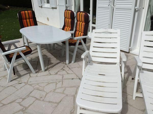Salon de Jardin : 6 Fauteuils Pliants et 2  Bains de Soleil 240 Plaisir (78)