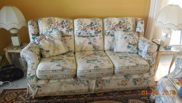 fauteuils anglais occasion annonces achat et vente de fauteuils anglais paruvendu. Black Bedroom Furniture Sets. Home Design Ideas