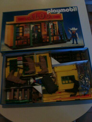 Saloon  Playmobil  80 Paris 15 (75)
