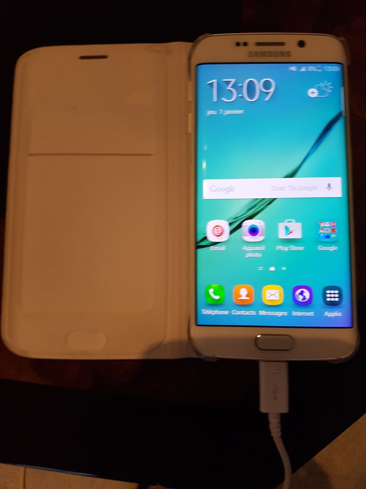 Samsung S6 edge blanc  300 Paris 15 (75)