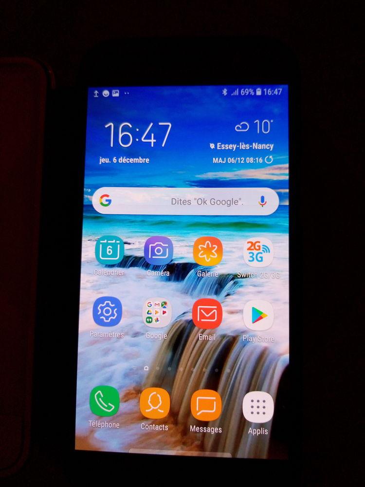 Samsung galaxy A5 comme neuf 200 Saint-Max (54)