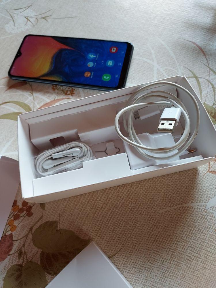 Samsung galaxy A10 Téléphones et tablettes