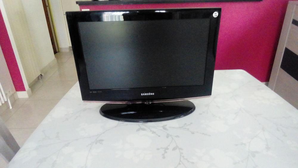 TV SAMSUNG  55 CM 50 Toufflers (59)