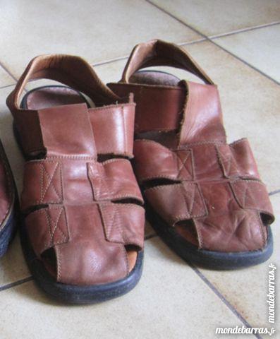 sandale cuir T 43 10 Nanteau-sur-Lunain (77)