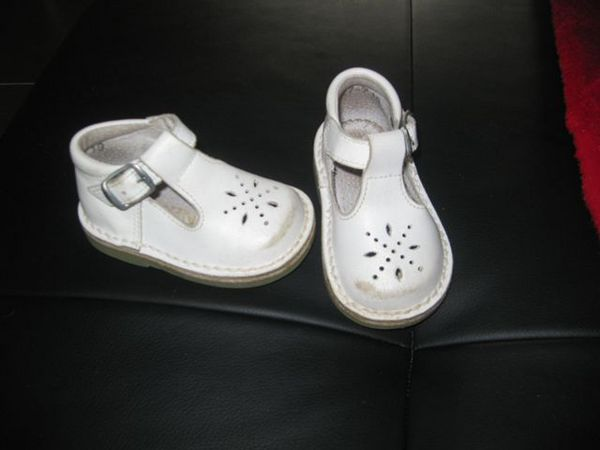 sandales blanches p.19 2 Carvin (62)
