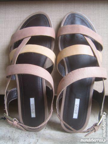 Sandales GEOX en cuir pointure 36.5 NEUVE 40 Poitiers (86)