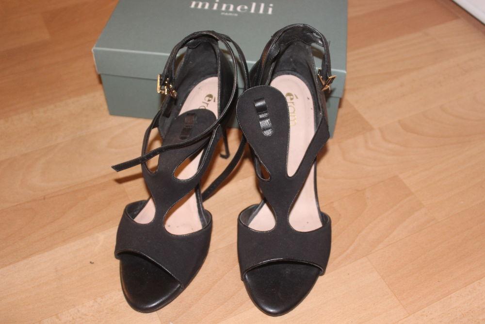 Sandales Noires Éram  18 Cergy (95)