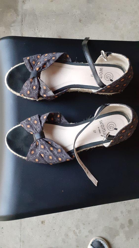Sandales tissu et corde tressée 37 7 Grisolles (82)