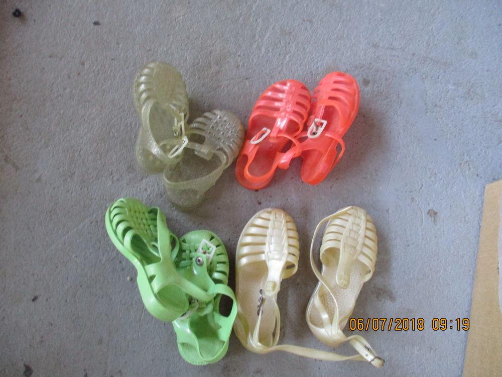 sandalette en caoutchout du 20 au 32 1 Meynes (30)
