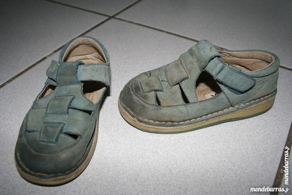 Lot de sandalette et chausson P 25/26 MIROTON 2 Tournefeuille (31)