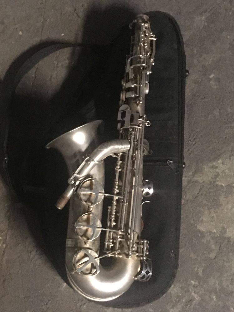 Saxophone Alto Leblanc  semi rationnel  2999 Paris 1 (75)