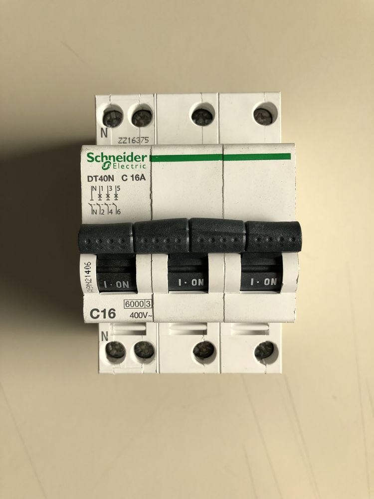 SCHNEIDER - Disjoncteur DT40N - C 16 A - 3P 20 Massy (91)