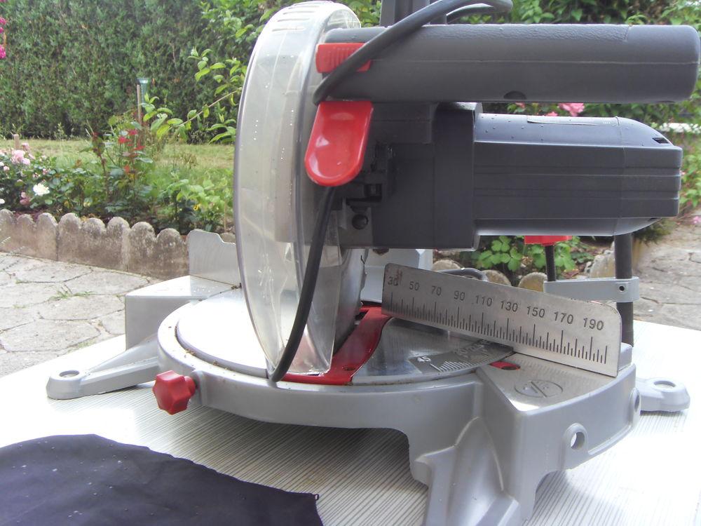 Scie à onglet radiale 100 Salbris (41)