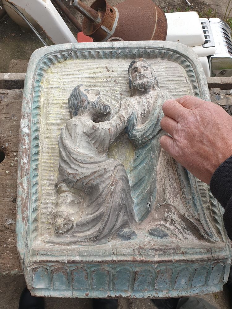 Sculpture  sur bois  4 Lurcy-Lévis (03)